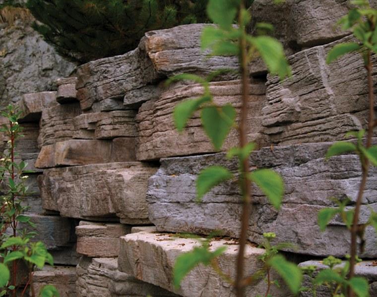 Đá trang trí tường rào chẻ tay tự nhiên